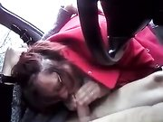 Slut woman gives oral sex to a stranger in car